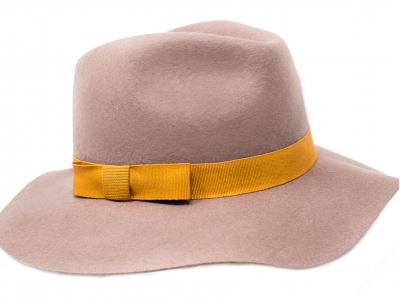 Cappello feltro fascia gialla