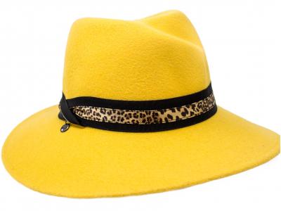 Cappello feltro giallo